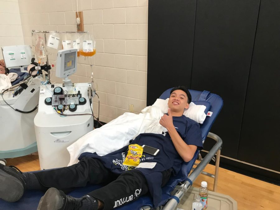 Panthers Give Back to Community in Blood Drive