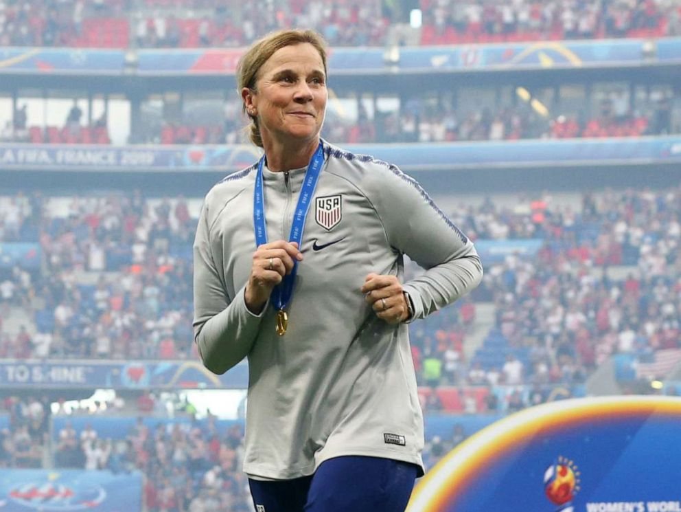 Jill Ellis is stepping down as the USWNT Head Coach after many successful years running the club.